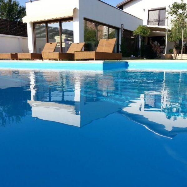 Cum intretii o piscina pe timp de vara?