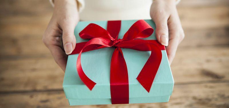 10 idei de cadouri pe care le poti oferi oricarei persoane