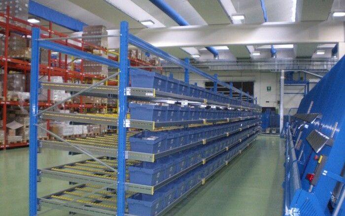 Avantajele utilizarii sistemelor de rafturi si depozitare metalice in camerele de depozitare